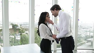 Megan Spill gives himself to handsome boss being facialized